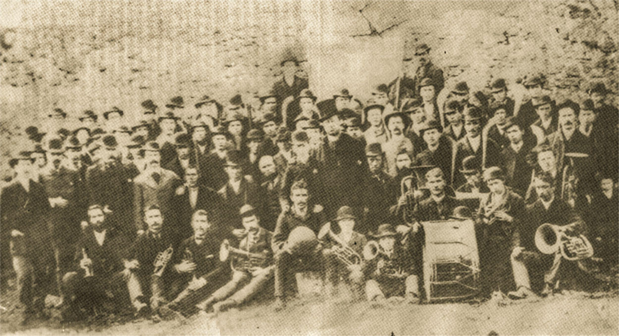1886 TEAM AND BAND