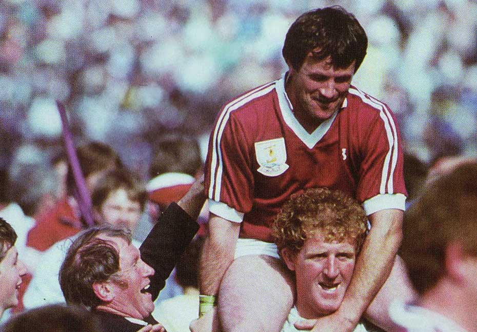1980 Pj Molloy is carried off2